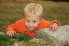 Escalada da criança foto de stock royalty free