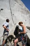 escalada de rocha ao ar livre na rocha fotos de stock royalty free