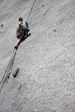 escalada de rocha uma rachadura Fotografia de Stock