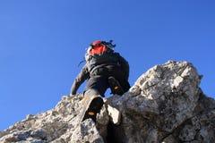 Escalada em uma rocha Foto de Stock Royalty Free