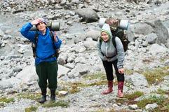 Escalada nas montanhas Fotos de Stock Royalty Free