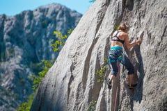 Escalade et alpinisme en parc national de Paklenica photos stock