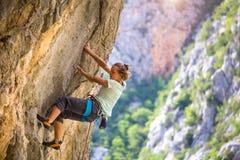 Escalade et alpinisme en parc national de Paklenica image libre de droits