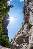 Escalade et alpinisme en parc national de Paklenica image stock