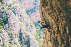 Escalade et alpinisme en parc national de Paklenica photographie stock