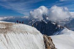 Escalader la montagne Images libres de droits