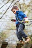 Escalador activo del niño Fotos de archivo