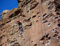 Escalador de roca del basalto 2 Imágenes de archivo libres de regalías