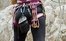 Escalador de roca femenino Foto de archivo libre de regalías