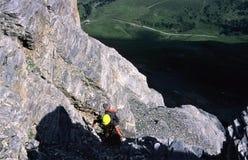 Escalando - através do tripp do ferrata próximo à cara norte do Eiger, Swizerland fotos de stock royalty free