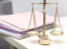Escalas de justiça Foto de Stock