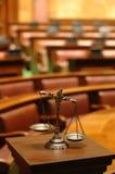 Escalas de la justicia Foto de archivo libre de regalías