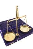 Escalas de oro del balance Foto de archivo libre de regalías
