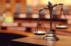 Escalas decorativas de justiça Fotos de Stock Royalty Free