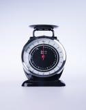 escalas para a cozinha ou escalas pretas da cozinha Imagem de Stock