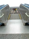 Escalator à la station de métro souterraine, ville Photographie stock