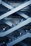 Escalator dans le mail superbe Photos stock