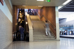 Escalator et escaliers Photographie stock libre de droits