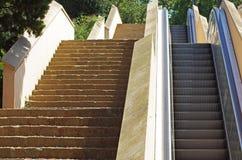 Escalator extérieur Photographie stock libre de droits