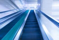 Escalator moderne trouble Image libre de droits