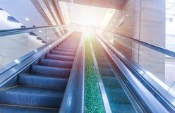 Escalator moderne trouble Photographie stock libre de droits
