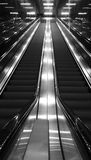 Escalator noir et blanc Photos stock