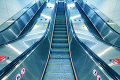 Escalator  in office building Royalty Free Stock Photos