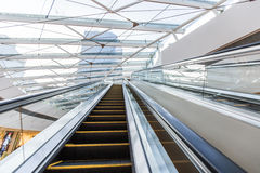 Escalator in shopping mall Royalty Free Stock Photos