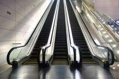 escalators fotos de stock