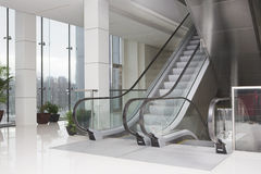 Escalators in business center Royalty Free Stock Photos