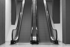 Escalators dans le mouvement Photo stock