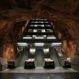 Escalators dans le souterrain de Stockholm Photographie stock