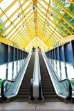 Escalators et escaliers de Mooving Photos stock