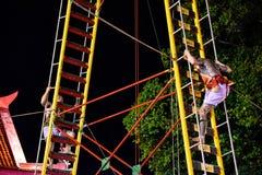 Escale a faca da escada no festival do vegetariano de Phuket imagem de stock