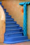 Escalera azul Fotos de archivo libres de regalías