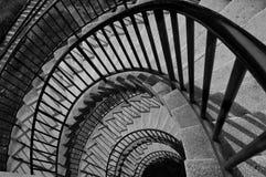 Escalera blanco y negro Imagenes de archivo