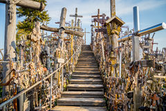 Escalera, colina de cruces, Lituania Fotografía de archivo libre de regalías