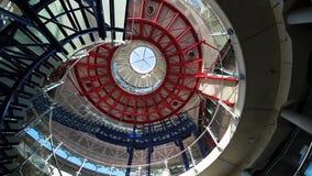 Escalera concreta moderna dentro del Tribunal Europeo de Derechos Humanos