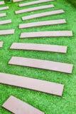 Escalera cubierta con la hierba verde fotos de archivo libres de regalías