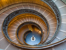 Escalera de Bramante, escaleras de la salida de la Ciudad del Vaticano Foto de archivo libre de regalías