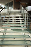 Escalera de cristal moderna Imagen de archivo