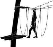 escalera de cuerda del parque de la aventura Imagen de archivo