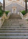 Escalera de la iglesia Ciudad de Prcanj montenegro Imagen de archivo libre de regalías