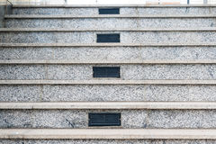 Escalera de mármol gris con las salidas de aire de centro Imagen de archivo libre de regalías