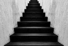Escalera de madera negra Foto de archivo