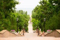 Escalera de piedra vieja en la ciudad de Taganrog Vista de Pushkin favorable Fotografía de archivo