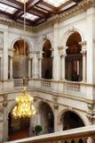Escalera del honor en el interior del ayuntamiento Foto de archivo libre de regalías