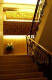 Escalera del hotel. Fotografía de archivo libre de regalías