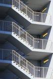 Escalera del zigzag en un estacionamiento Imagen de archivo