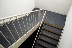 Escalera en cantón, Tejas del hotel Fotos de archivo libres de regalías
